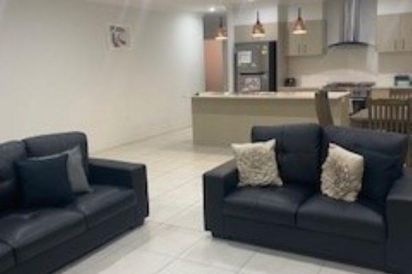 1631763560_living room